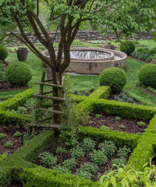 Anne Bass garden